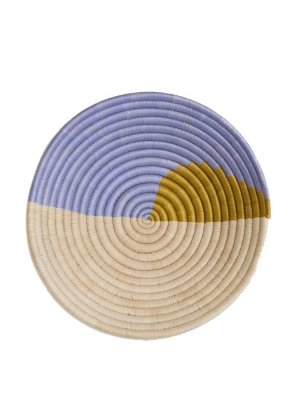 Plateau décoratif tissé à la main en olive Indego Africa sanna conscious concept