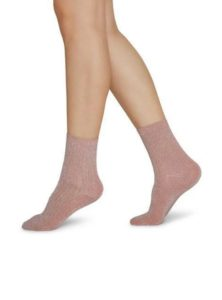Stella chaussettes scintillantes en rose poudré de chez SWEDISH STOCKINGS sanna conscious concept