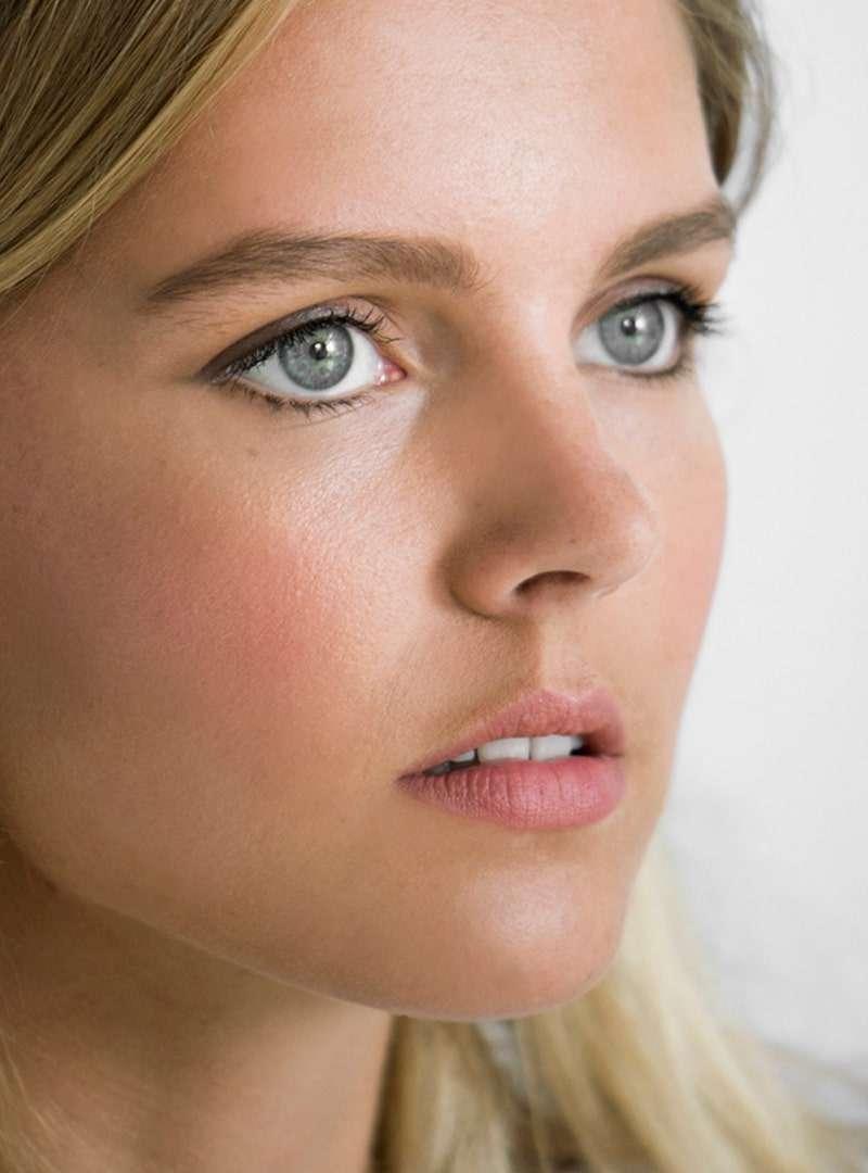 woman face sanna conscious concept