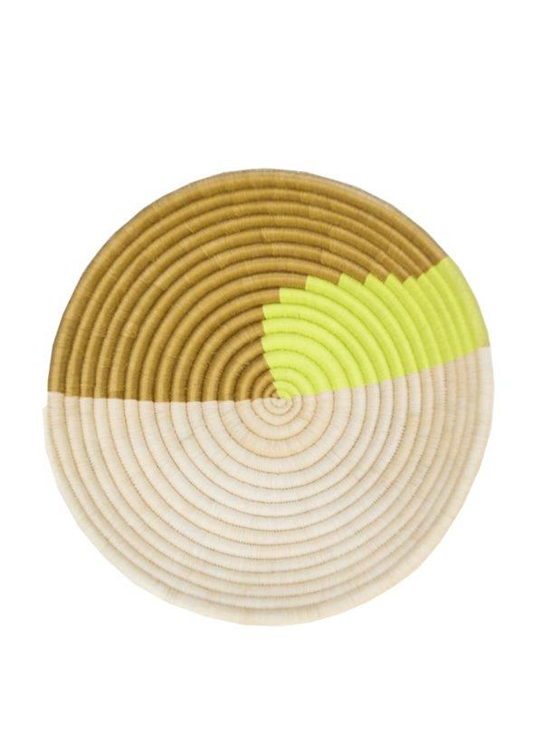 Plateau décoratif tissé à la main en citron indego africa sanna conscious concept