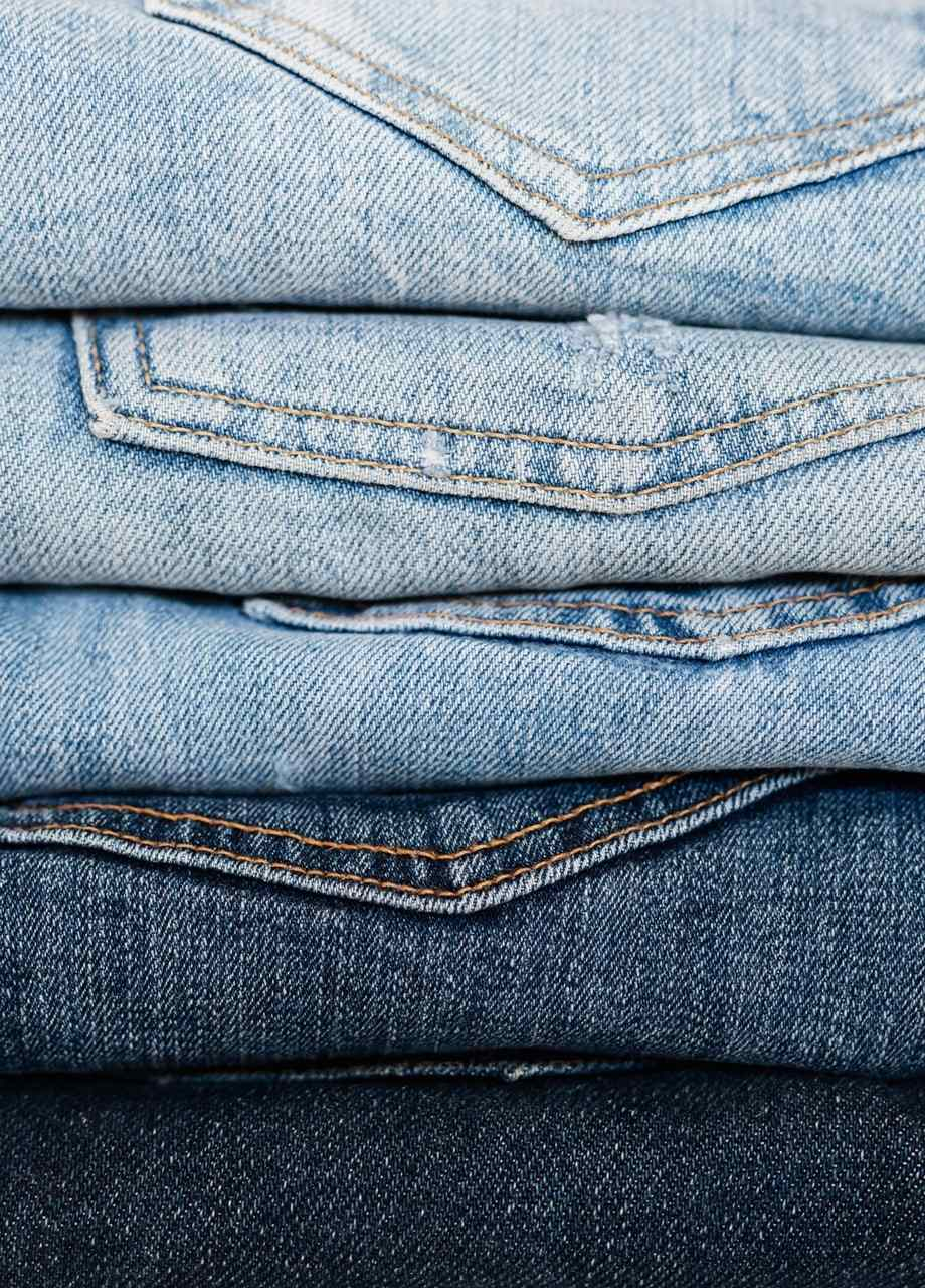 multiple pairs of jeans sanna conscious concept
