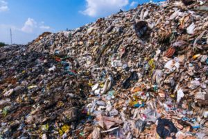 tons of waste archive 4 ways the fashion industry harms the environment sanna conscious concept