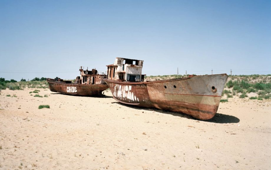two boats in the middle of a desert archive 4 ways the fashion industry harms the environment sanna conscious concept