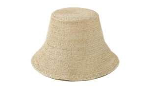 chapeau tisse en raphia de chez indego africa sanna conscious concept